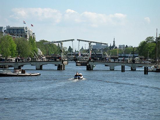Amsterdam_magere_brug_1.jpg