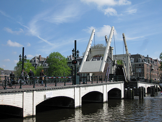 Amsterdam_magere_brug_2.jpg