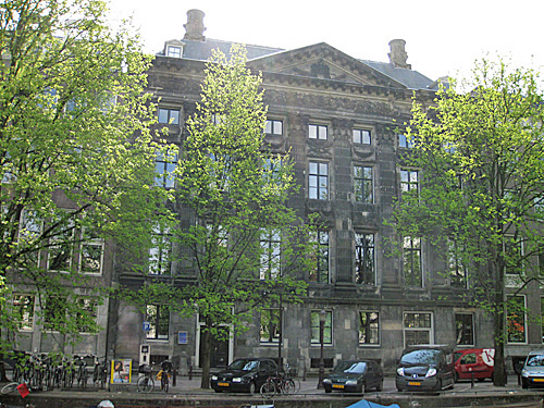 Amsterdam_trippenhuis_1.JPG