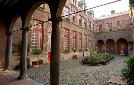 Antwerpen_maagdenhuis-museum
