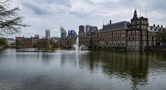 Den-haag_Binnenhof_Hofvijver
