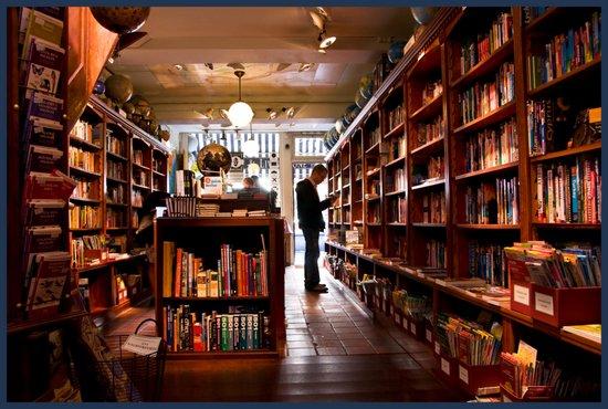 Denhaag_Reisboekwinkel_Stanley_&_Livingstone.jpg