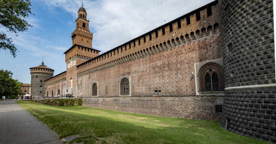 Milaan_Castello_Sforzesco_(4).jpg