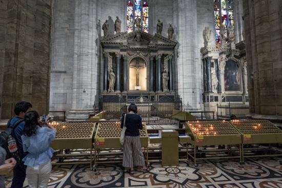 Milaan_Duomo_(28).jpg