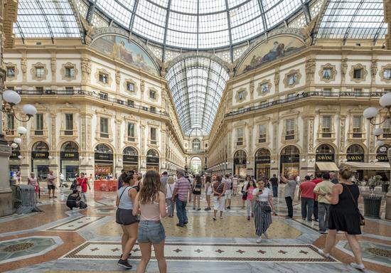 Milaan_Galleria_Vittorio_Emanuele_(10).jpg