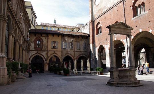 Milaan_Piazza_Mercanti
