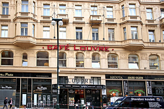 Praag_Cafe_Louvre_in_Praag.jpg