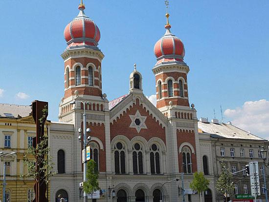 Praag_Grote_synagoge__Pilsen.jpg