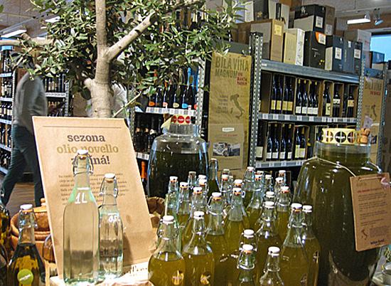 Praag_Italiaanse_wijnmarkt_1.JPG