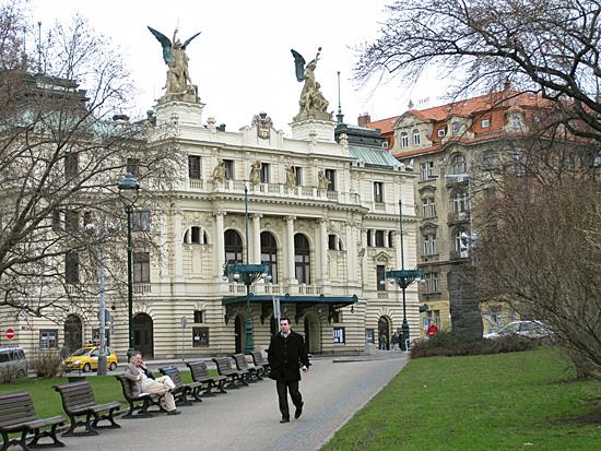 Praag_art_nouveau_theatre_praag.jpg
