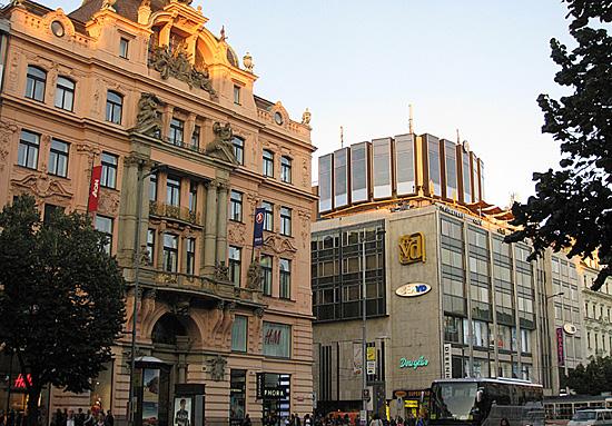 Praag_brutalisme_wenceslas_praag.jpg