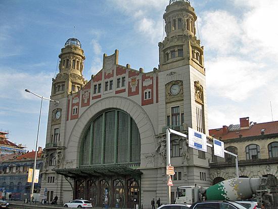 Praag_centraal_station_oude_ingang.jpg