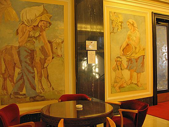 Praag_communistische_architectuur_muurschildering.jpg