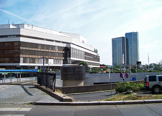 Praag_congrescentrum_in_praag_exterieur.jpg