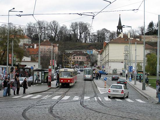 Praag_electrische_auto_in_praag.jpg
