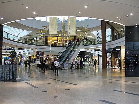 Praag_harfa_shopping_centre_1.jpg