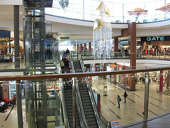 Praag_harfa_shopping_centre_2.jpg