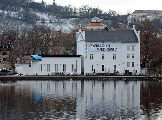 Praag_kampa_museum_moderne_kunst.jpg
