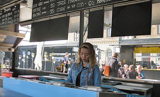 Praag_manifesto_food_court_2.jpg