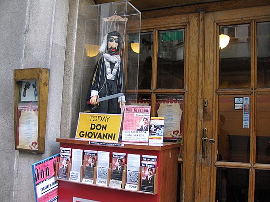 Praag_marionetten_theater_1.jpg