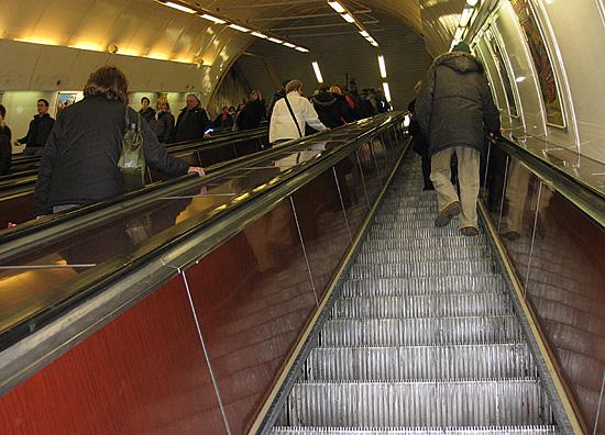 Praag_metro_bezienswaardigheid_roltrap.jpg