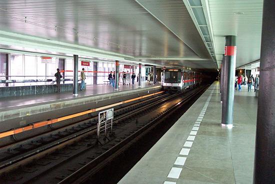 Praag_metro_station_Vysehrad.jpg