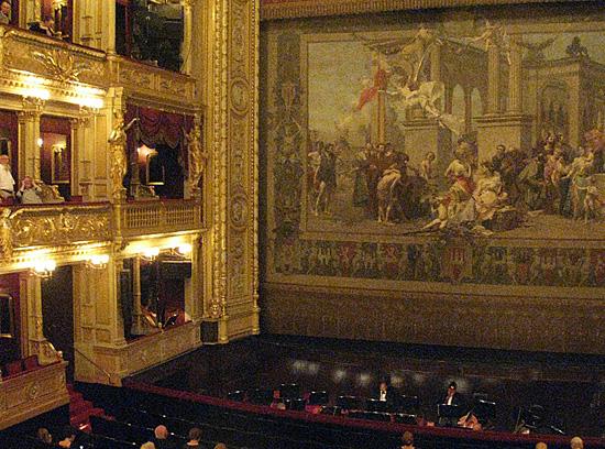 Praag_rolstoel_vriendelijk_theater_praag.jpg