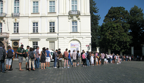 Praag_security_check_prague_castle_3.jpg
