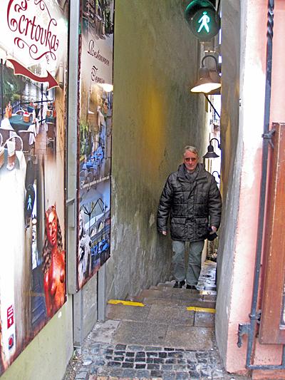 Praag_smalste_straat_praag.jpg