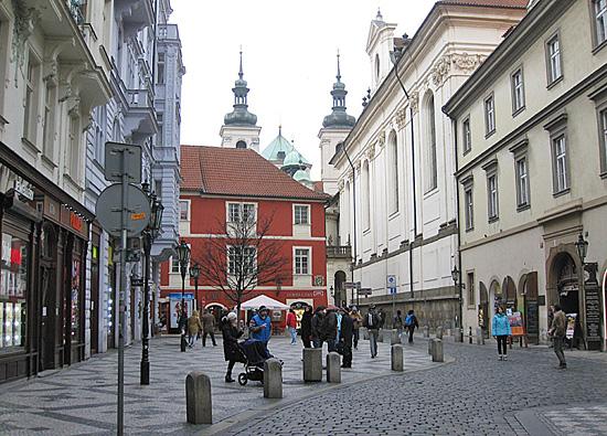 Praag_stadswandeling_karlova.jpg