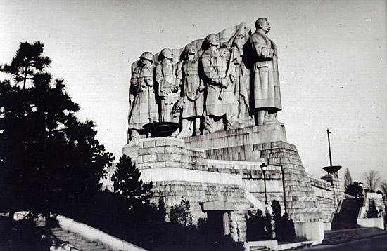 Praag_stalin_monument_letna_praag.jpg