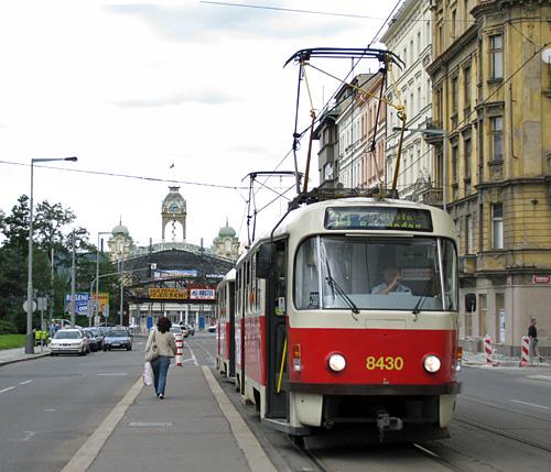 Praag_tatra_tram_1.JPG