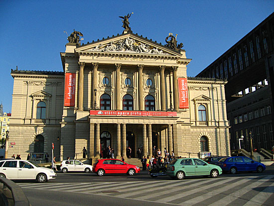 Praag_theaters_praag_3.jpg