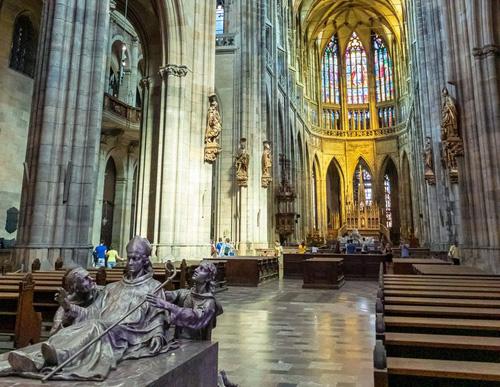 Praag_vitus_cathedral_praag.jpg