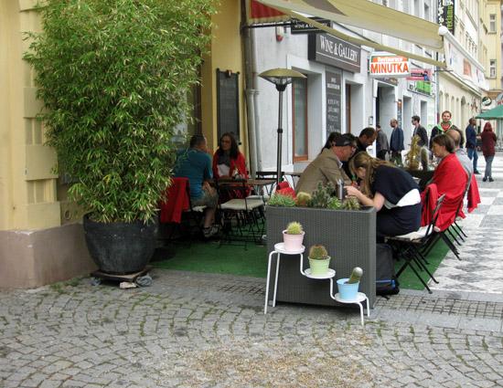 Praag_wijkkarlin_cafe.jpg