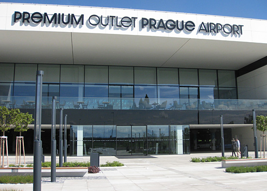 Praag_winkelcentrum_premium_outlet_praag.jpg