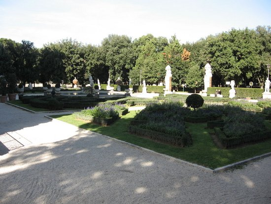 Rome_Borghese_park.jpg