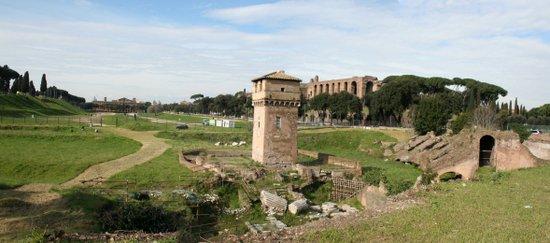 Rome_Circus_Maximus_-_panorama_view.jpg