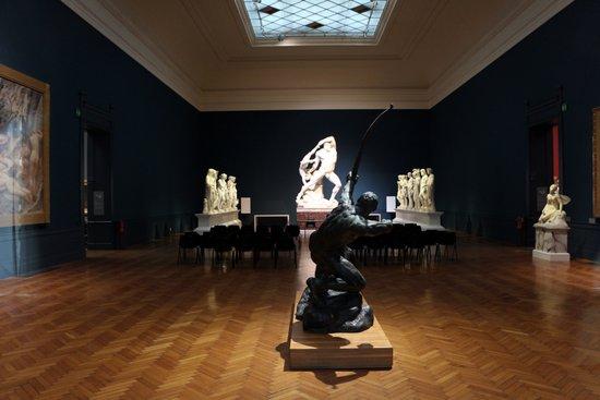 Rome_Galleria_nazionale_d'arte_moderna,_sala_di_canova_01.jpg