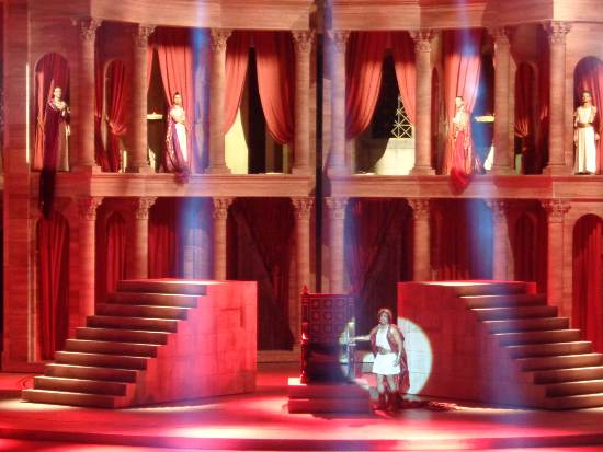 Rome_Nero-rood_decor.jpg