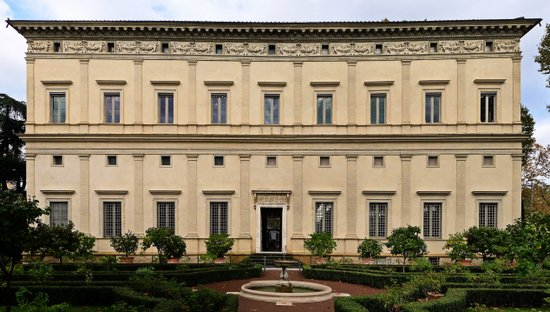 Rome_Villa_Farnesina_zuid.jpg