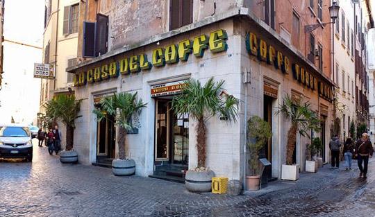 Rome_caffe-tazza-oro
