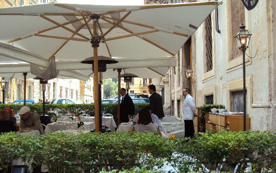 Rome_diner-Vecchia-Roma-g.jpg