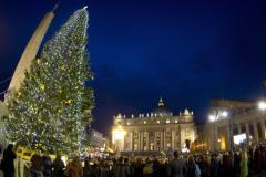 Rome_kerstboom-op-sint-pietersplein