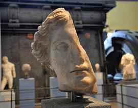 Rome_museum-Centrale-Montemartini-k.jpg