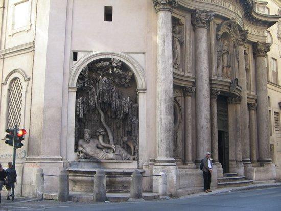Rome_piazza_QuattroFontane2.jpg