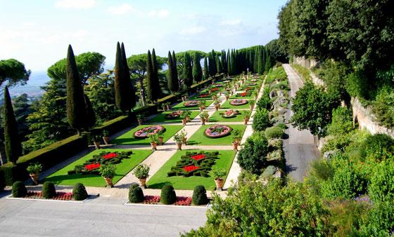 Tuinen Van Het Vaticaan.Castel Gandolfo Buitenverblijf Van De Paus Rome Nu
