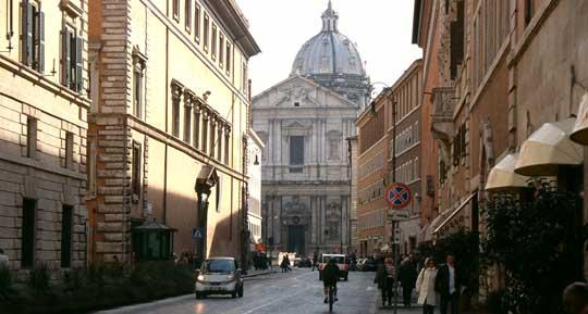 Rome_winkelen-corso-rinascimento.jpg