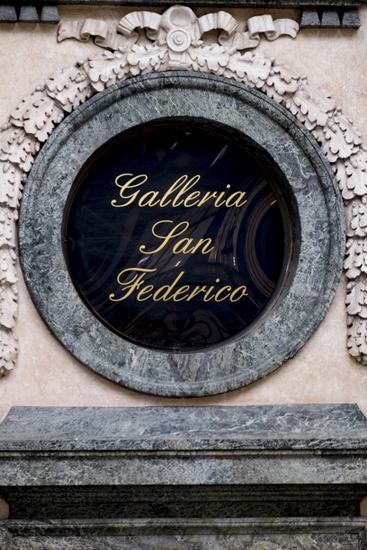 Turijn_Galleria_San_Federico_(4).jpg