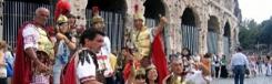Rome verbiedt 'gladiatoren' en 'soldaten' rond toeristische attracties